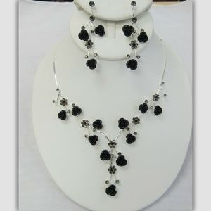 Silver & Black Flower Floral Necklace Jewelry Set